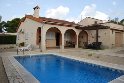 Marina Calafat > villas > VILLA 1B-33 (4/5 Pax)