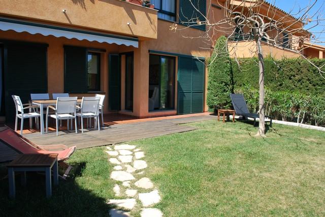 Marina calafat for Bajo con jardin majadahonda