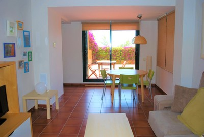 Marina Calafat > apartamentos > APARTAMENTO H5-BAJOS 1 (6 pax) M-36 Marina Sant Jordi